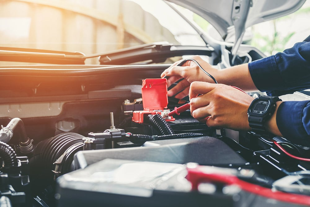 Mechanic doing repair work on a vehicle | Land Rover Discovery specialist Falkirk, Stirling, Alloa