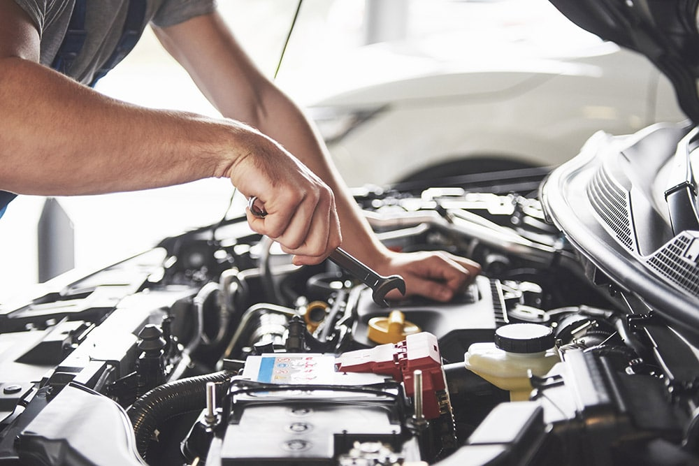 Mechanic working on a vehicle | Land Rover Discovery specialist Alloa, Falkirk, Stirling