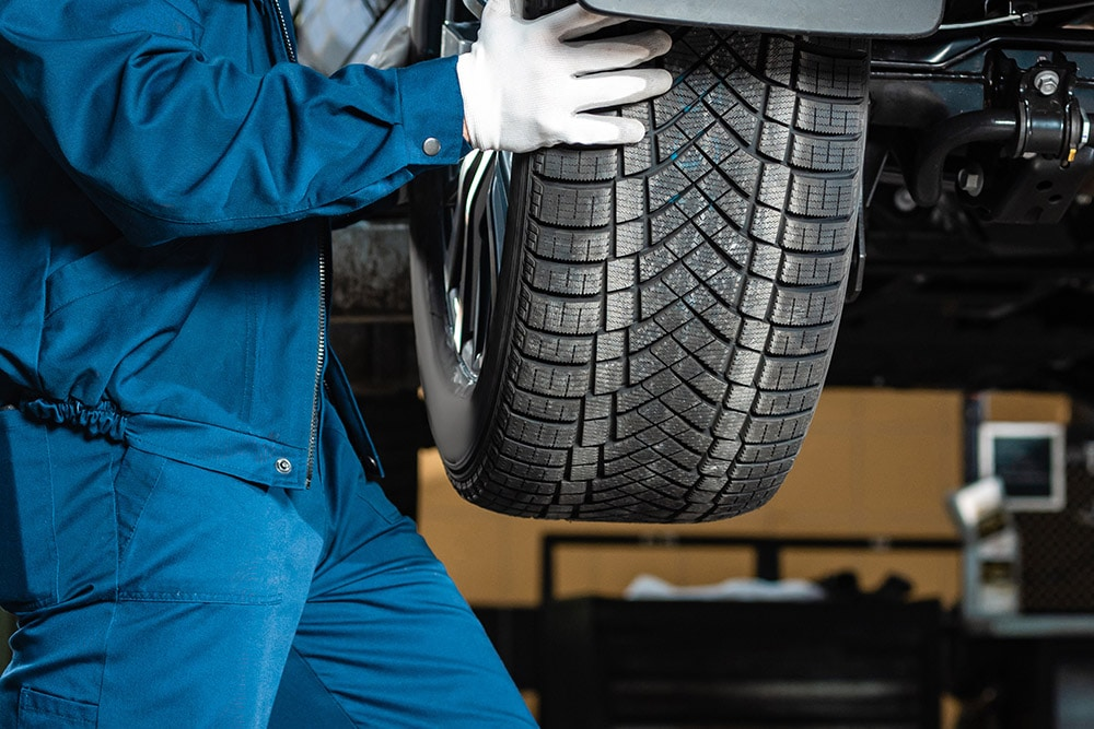 Mechanic working on a vehicle | Range Rover Sport specialist Stirling, Falkirk Alloa