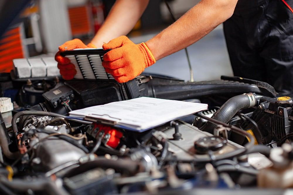 Image of mechanic working on vehicle   Range Rover Velar service Stirling, Alloa, Falkirk