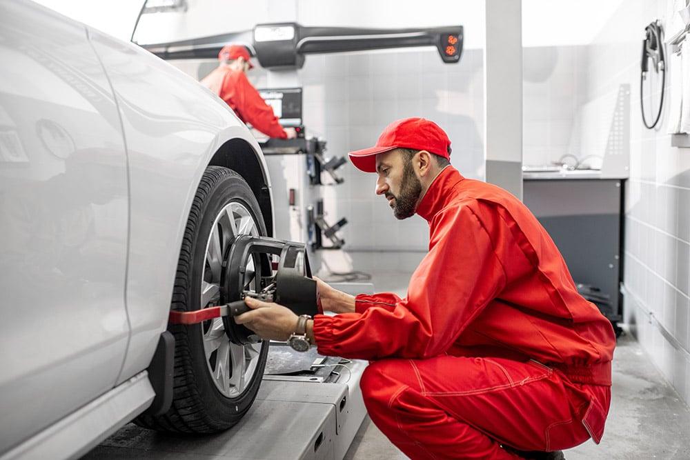 Image of wheel alignment   Range Rover Velar service Alloa, Stirlingshire