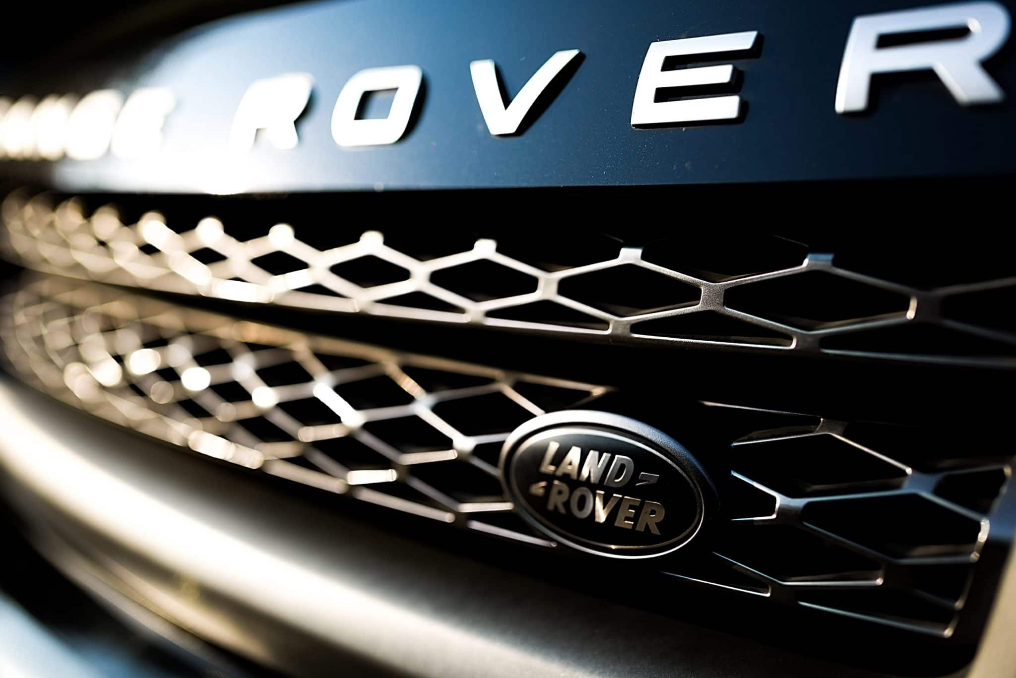 Close up of Range Rover grill   Range Rover diagnostics Stirling, Alloa and Falkirk
