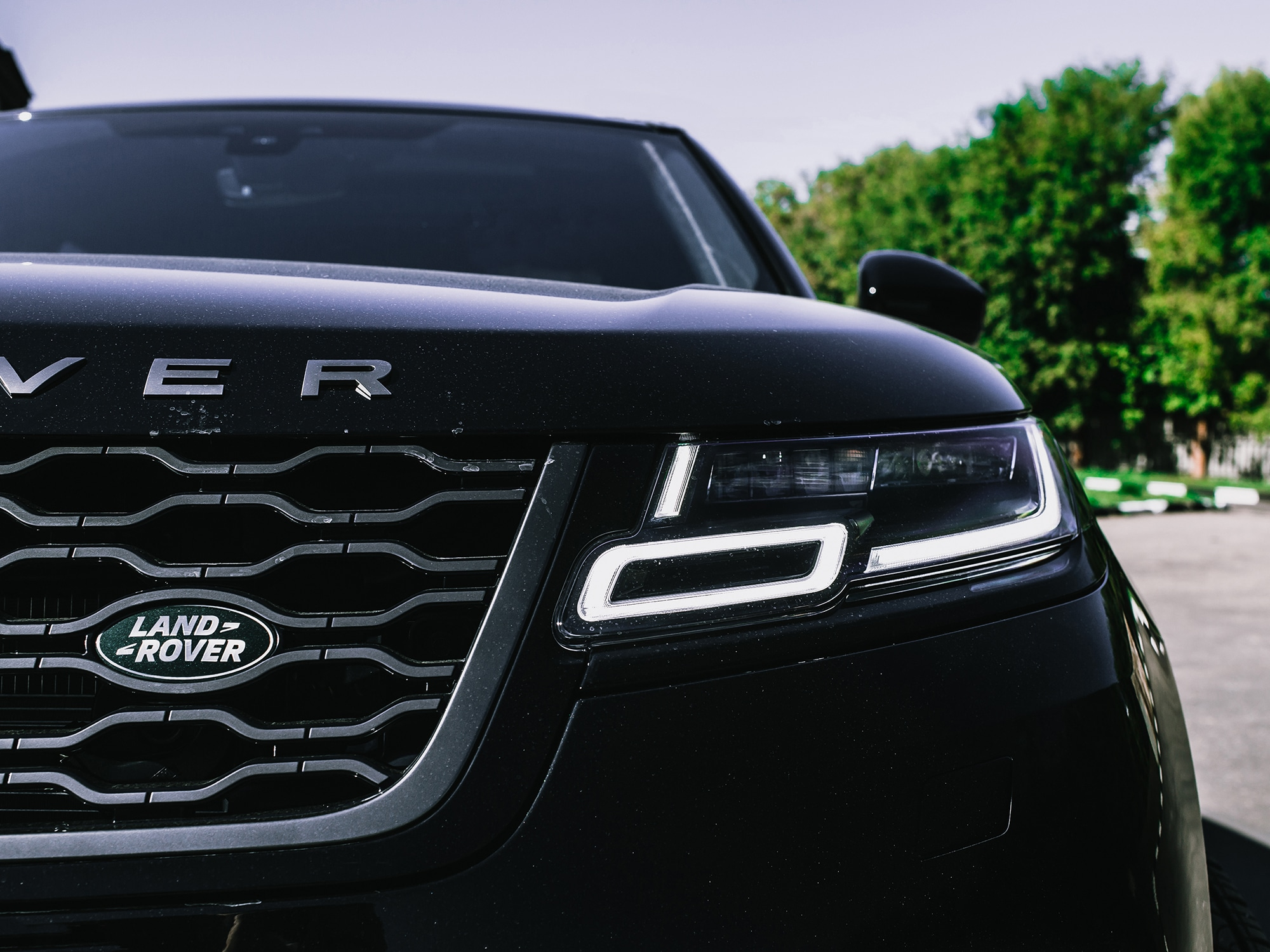 Range Rover Independent Specialist   An image of Range Rover Velar close up